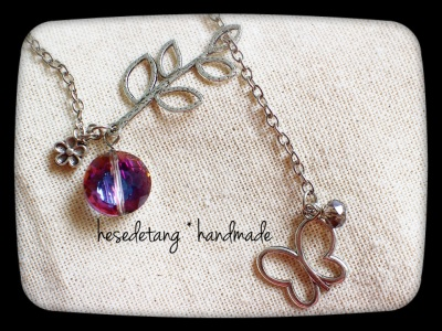 Butterfly Lariat Necklace in Indigo by hesedetang *